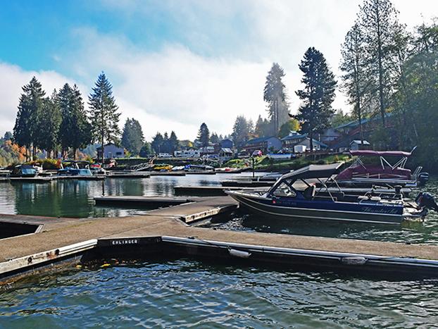 Boating on White Pass WA Lakes